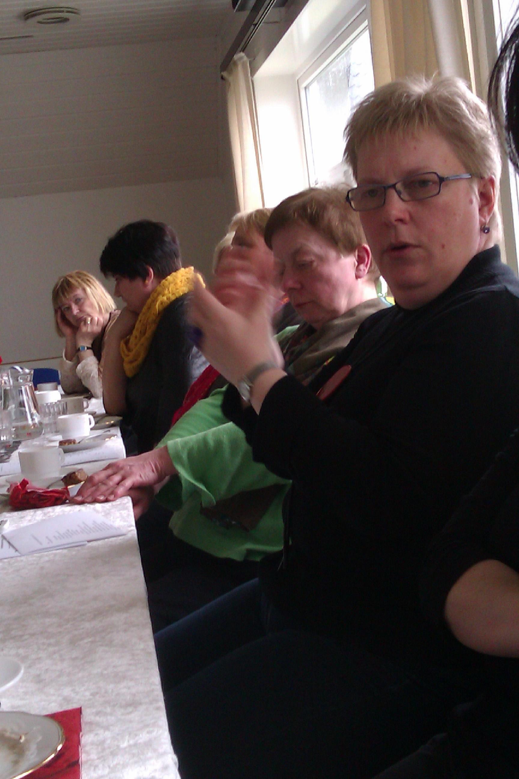 Annika Sølvará og aðrar megnarkvinnur. Ársfundur 2012. Kongshavnar Kvinnufelag vertinnur.